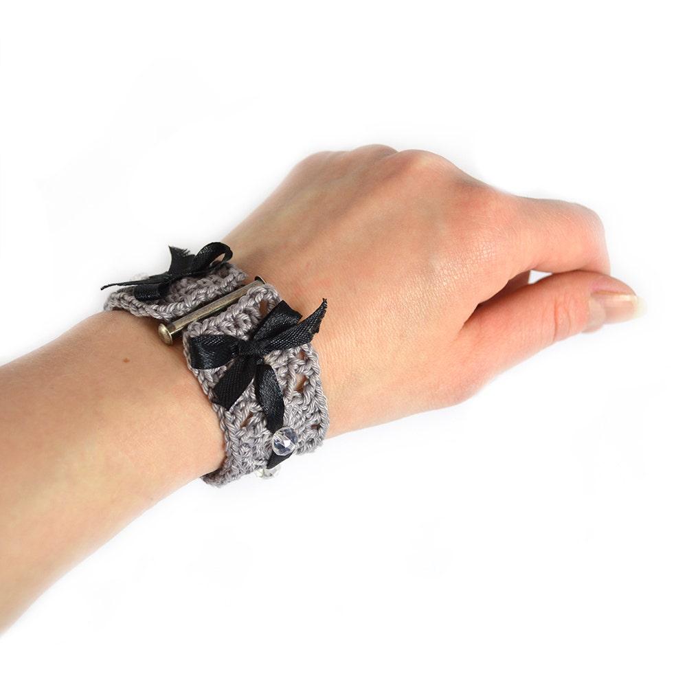 Armband i guld och silver