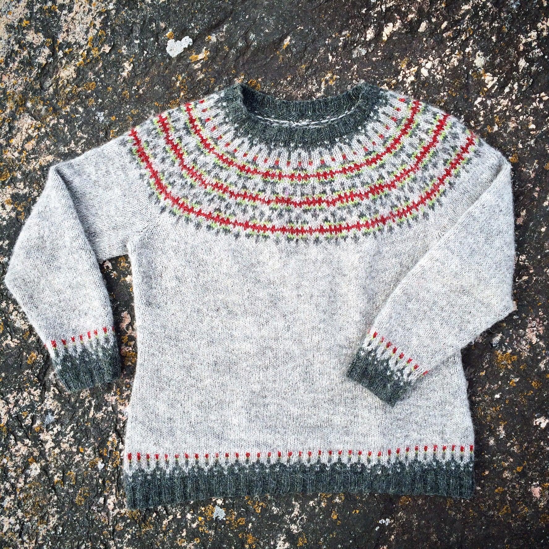 Gästinlägg: En tröja växer fram – Ásta Sóllilja i Ístex Létt-lopi