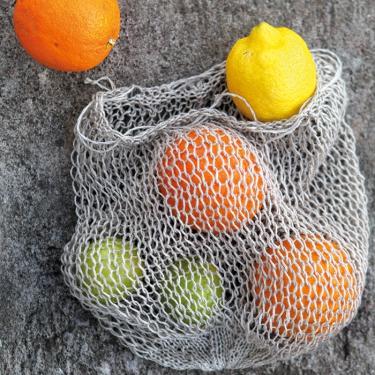 Tävling: Visa din fruktkasse eller linsjal och vinn lyxigt stickset!