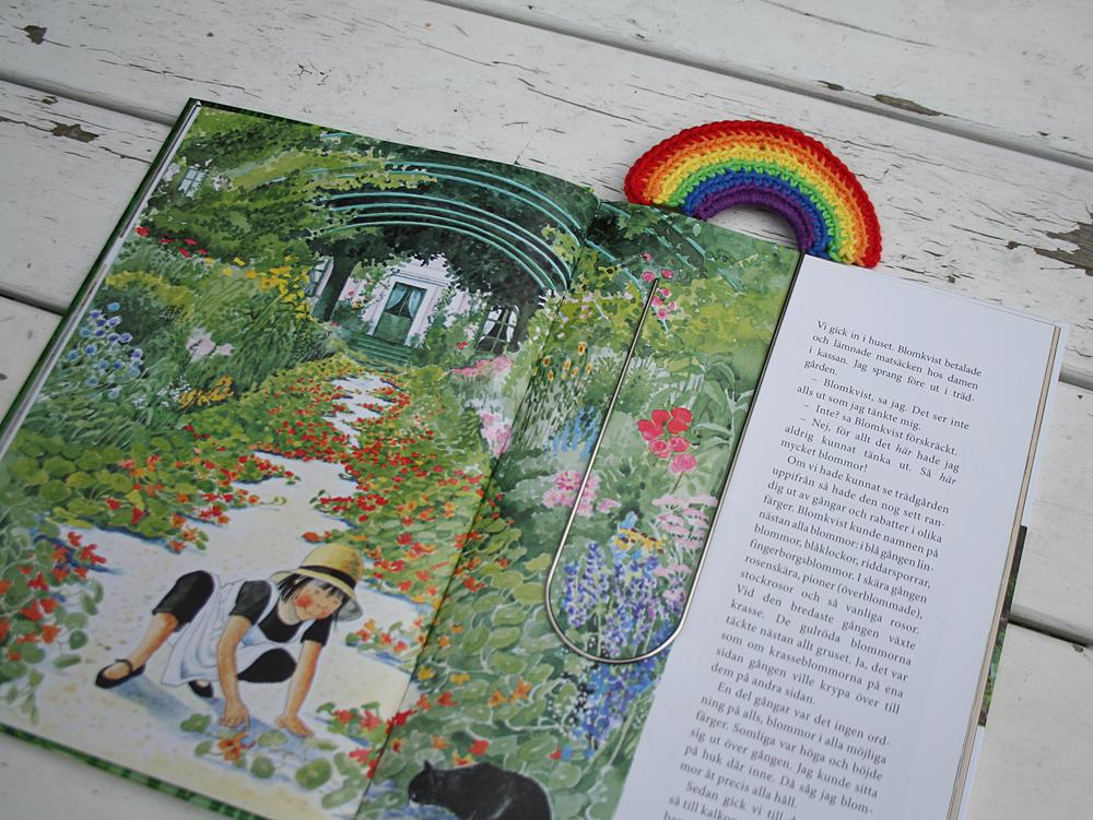 Bokmärke i regnbågens alla färger